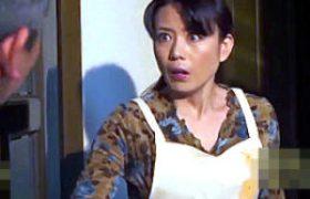 あなた許して若い営業マンの強引な誘いを拒みきれない美熟れた女他人妻!三浦恵理子