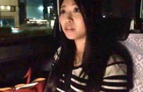 ホロ酔い美しいオフィスレディをタクシーで自宅に送り寝取る!彼氏とテレビ通話しながら大量潮吹き激痙攣。近藤ユキ