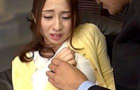 お椀型デカチチの細身他人妻がオヤジ達の性処理ペットに堕とされビクビク痙攣イキ。前田可奈子