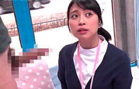 21歳の新人介護女がミラーガラス号で騙されガクガク痙攣マジイカされまくる!近藤ユキ