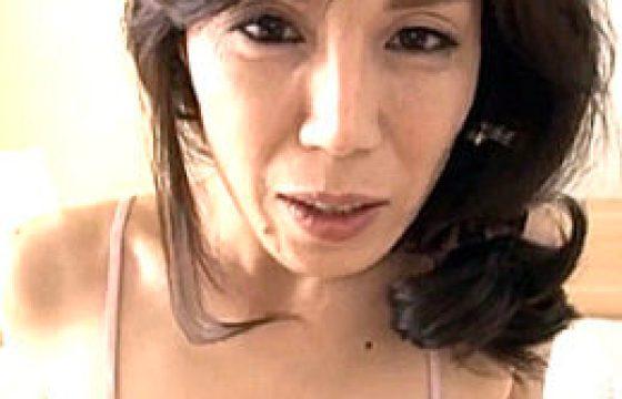 マン毛ボーボーの色っぽい美熟れた女がアヘ顔で9回痙攣イキ。今宮慶子