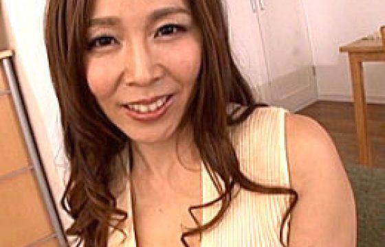 茶髪のエロケバい熟れた女が初アナルファックでハメ潮吹き痙攣w矢吹京子
