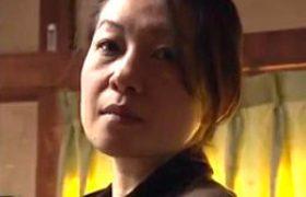 娘婿に押し倒されながら心の片隅で抱かれる事を望んでいた色っぽい義母w大沢萌
