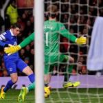 Manchester-United-v-Everton-Bryan-Oviedo_3046400