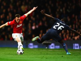 Manchester-United-v-Olympiacos-Phil-Jones-Joe_3104122