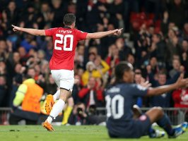 Manchester-United-v-Olympiacos-Robin-van-Pers_3104146
