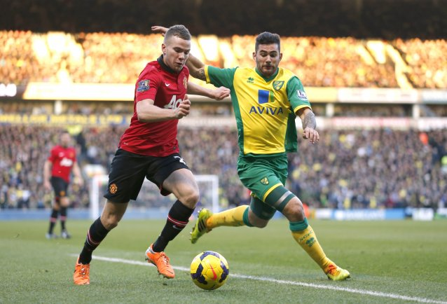 pl-duo-chase-united-midfielder