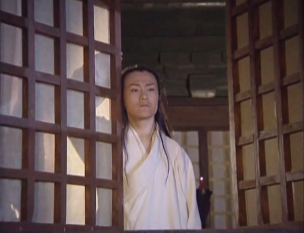 Lin Pingzhi looks out a window.