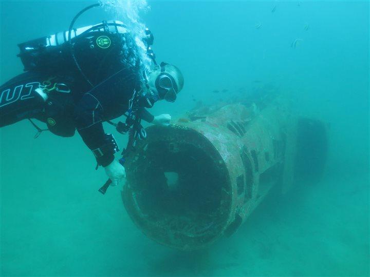 subic bay wreck diving f4 phantom