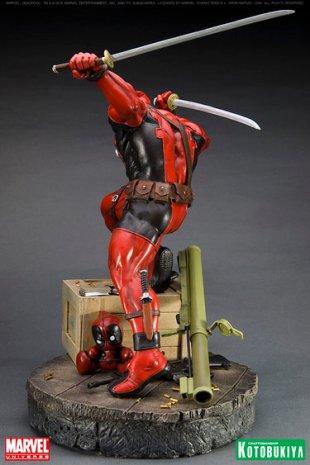 kotobukiya_deadpool_statua_3