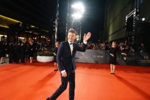Jeremy Renner's Red Carpet stroll at #MACAO, #Film, #IFFAM2017