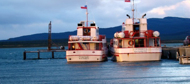 Puerto Natales, Chile, barcos de excursões
