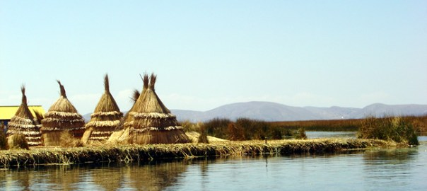 Ilhas dos índios Uros, Lago Titicaca, região de Puno