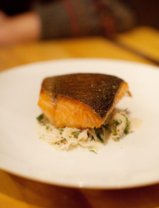 Bar Lola Salmon