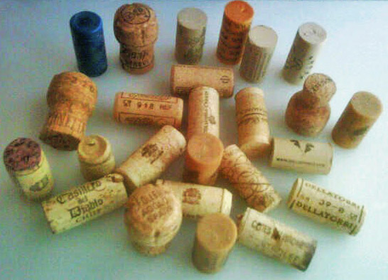 Place Card Primer: Recycled Wine Corks (1/6)