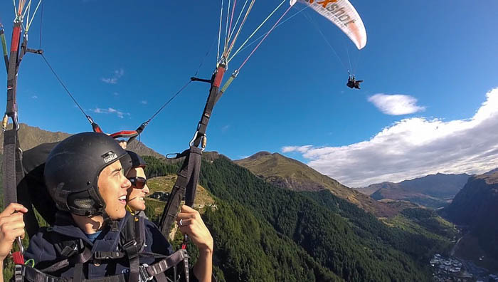 Paragliding_both