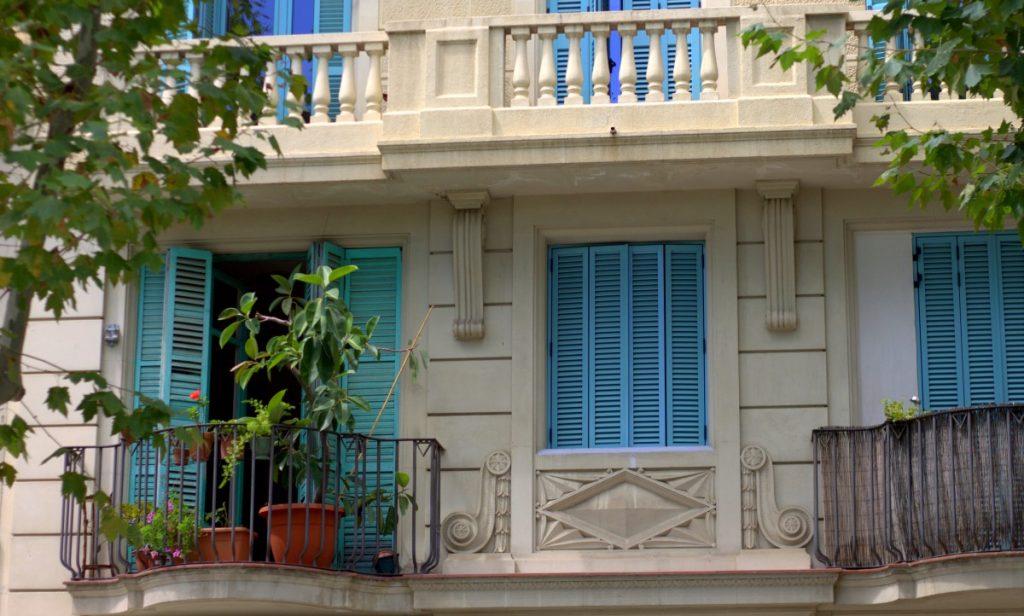 Barcelona_blue shutters