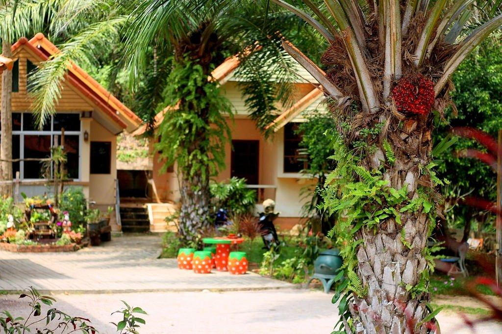 Tawan Resort, Thung Wua Laen Beach