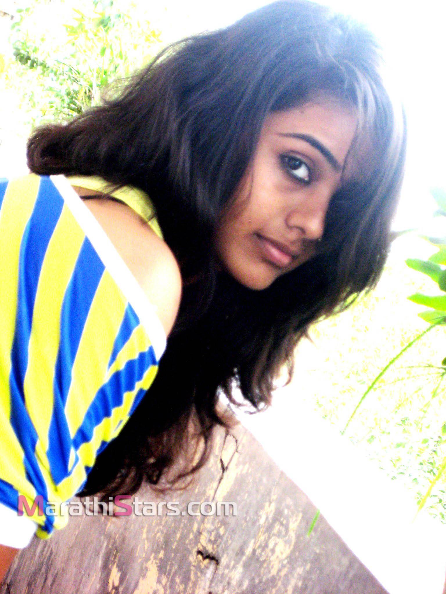 Natural Beauty Girl Wallpapers Akshaya Gurav Marathi Actress Photos Biography Wallpapers