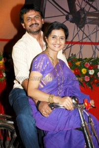 Amruta Subhash and Girish Kulkarni in Masala