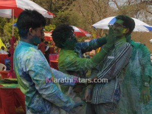 Swapnil Joshi & Sushant Shelar While Playing Holi