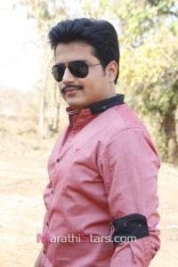 Ashutosh Kulkarni as Visvnath in Gandh Phulancha Gela Saangun