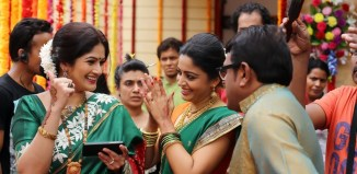 Resham Tipnis, Neha Pendse, Vijay Patkar - Coming Soon Still Photos