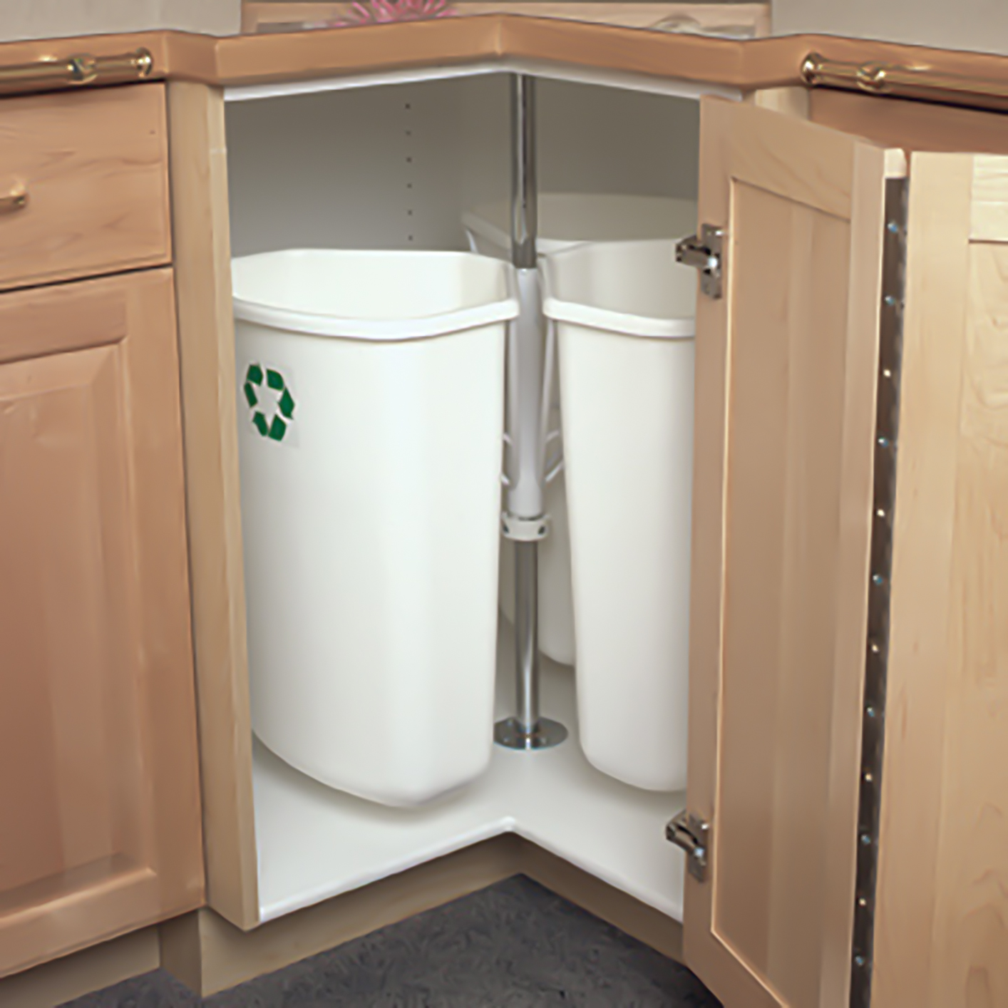 Kitchen Garbage Solutions Corner Recycling Centers 3 32 Qt Bins White Krrc28k