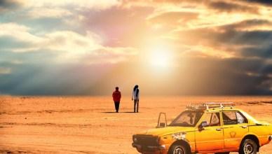 coche en el desierto