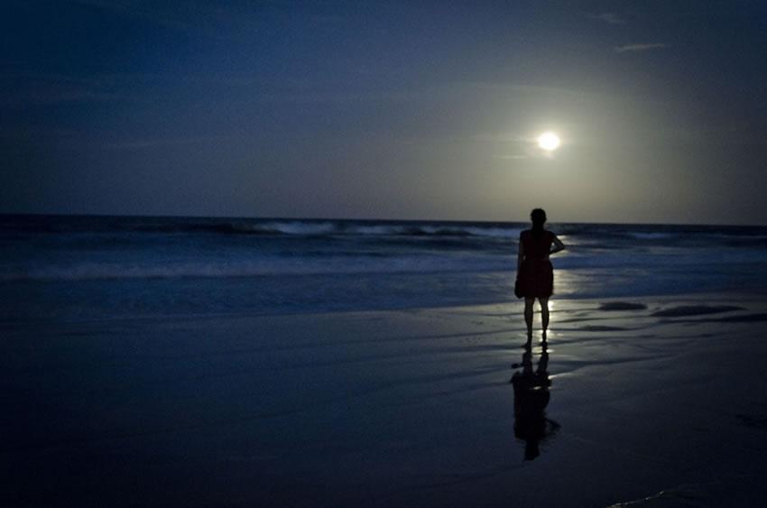 Girl Looking At Moon Wallpaper Las Fotos M 225 S Bellas De La Super Luna Marcianos