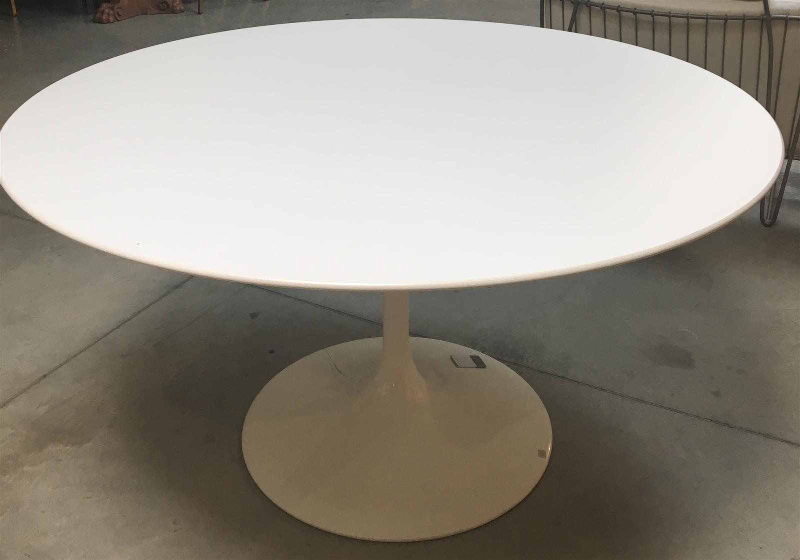 Table Knoll Tulipe Lot No 222 Marc Labarbe