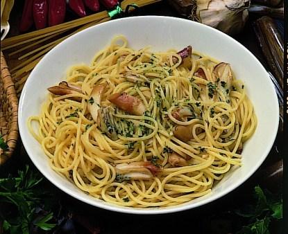 Gli spaghetti ai cannolicchi un classico