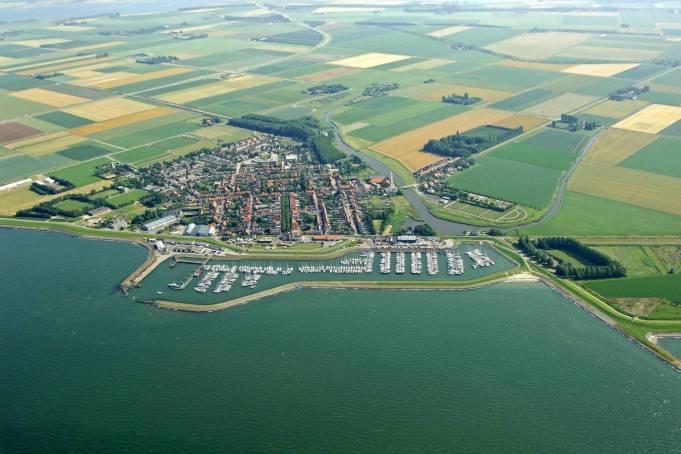 Colijnsplaat porto e paese veduta aerea