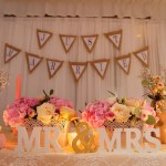 Mariage Réunion Ma Régisseuse wedding planner décoration Mr&Mrs fleurs compositions florales bougies