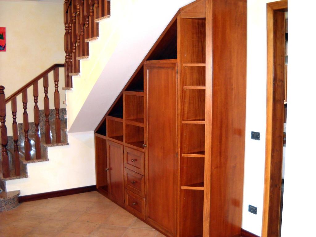 Arredare sottoscala soggiorno mobili per sottoscala design casa