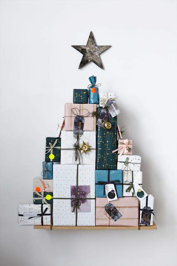 JUL-Lag-juletre-av-pakkene-som-adventskalender