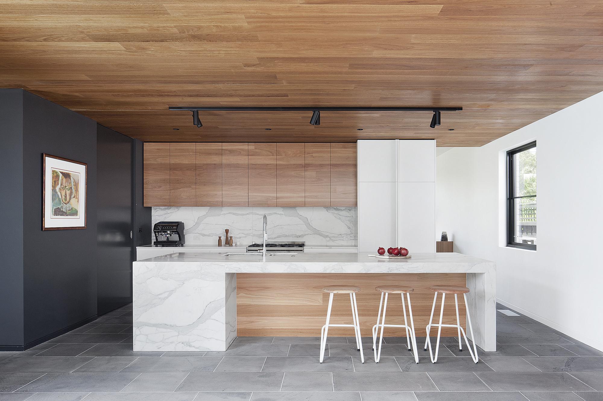 Residential Design Inspiration : Modern Wood Kitchen