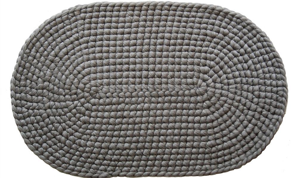Ovaler-Teppich-grau-Freisteller