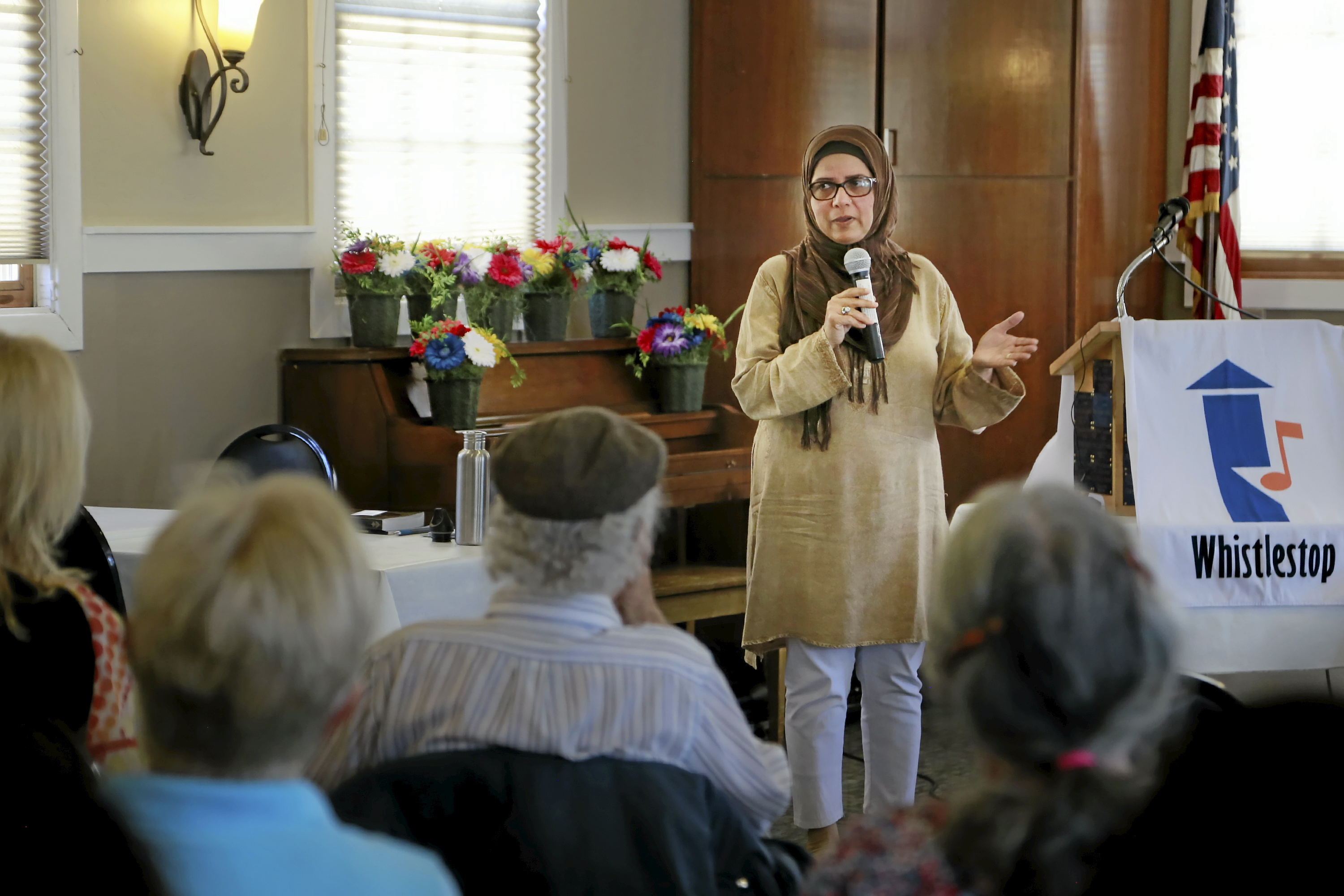 Golden Eye Herborn Pakistani American Muslim Brings Campaign Against Islamophobia