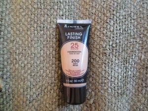 Rimmel London Lasting Finish 25 Hour Foundation in 200 Soft Beige