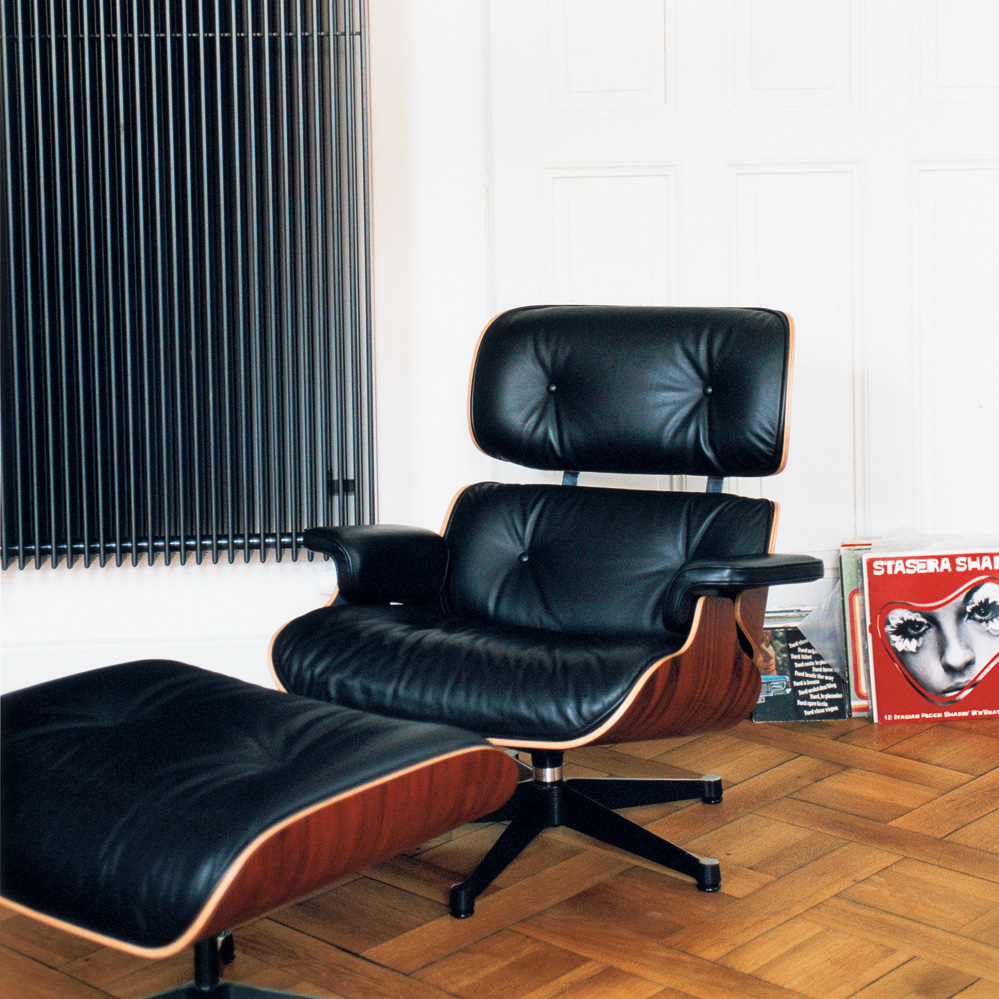 Vitra Eames Lounge Chair Black Lounge Chair Palisander