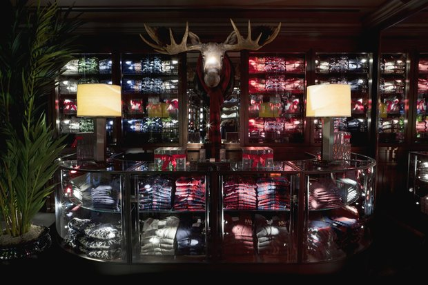 Store Interieur Xxl Abercrombie Et Fitch : Etudes De Cas, Analyses Marketing