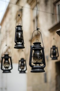 Local Gaslight Pros Explain How Gas Lamps Operate ...