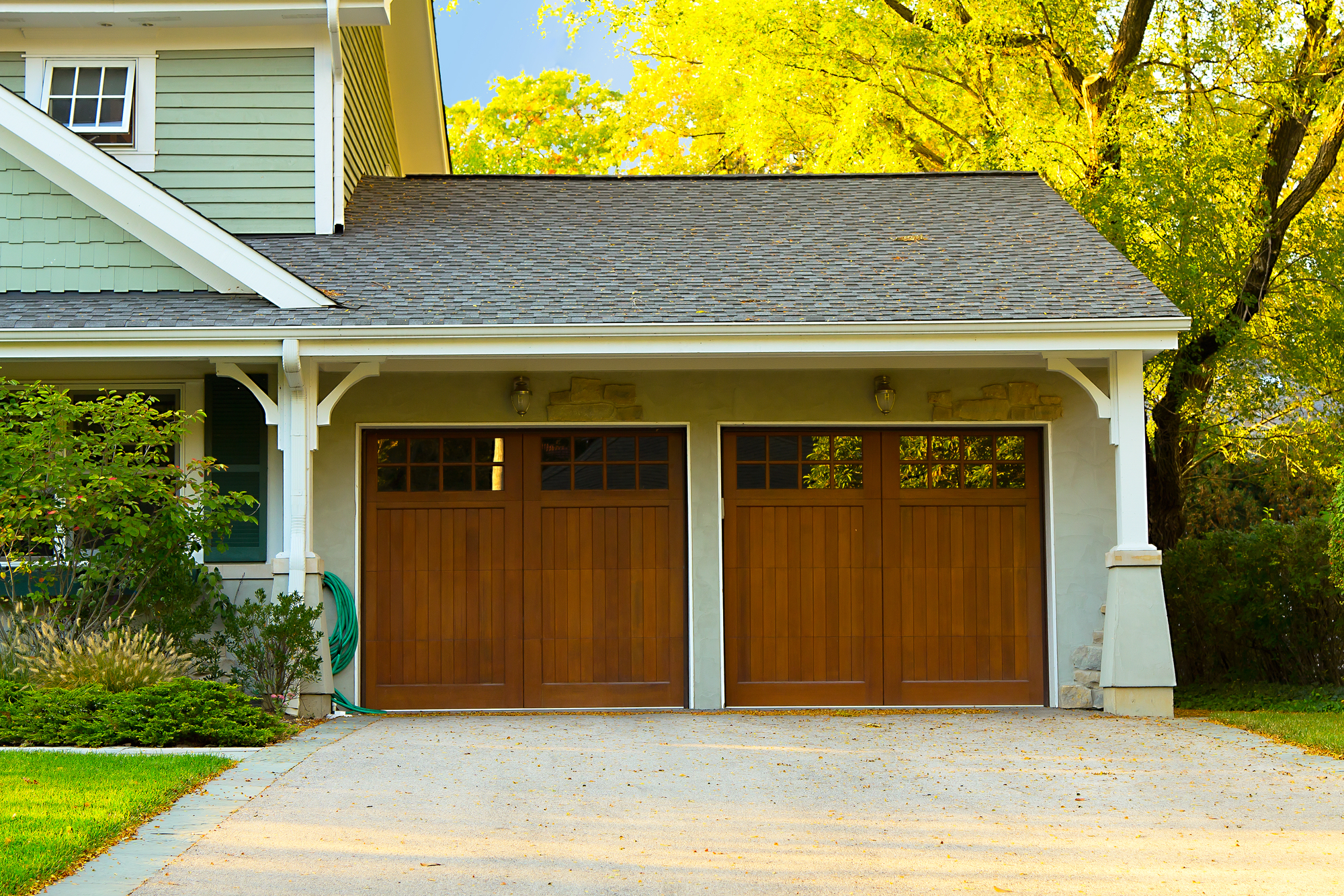 Garage Doors Knoxville 3 Signs You Need A New Garage Door Howe Overhead Doors