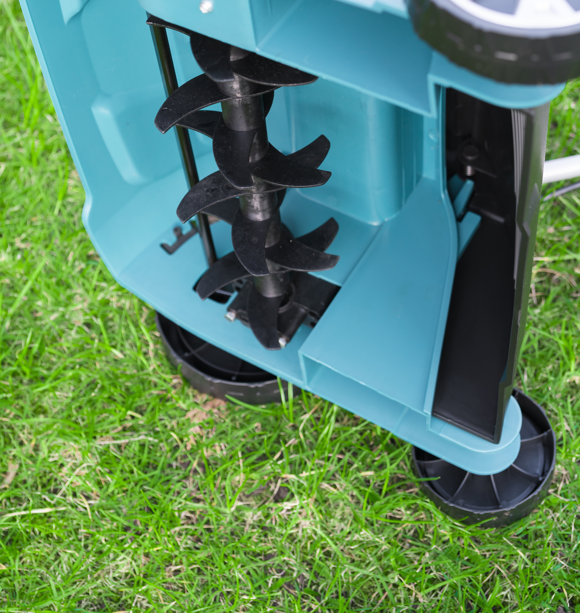 Grass Aerator What Is Lawn Aeration Rossi Landscaping Inc Sagamore Hills