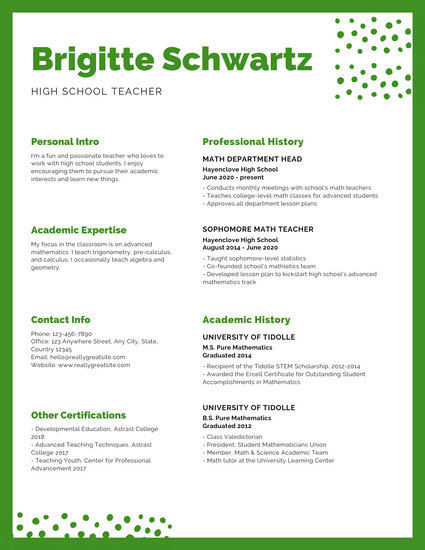 Green and White Minimalist Dots Teacher Resume - Templates by Canva