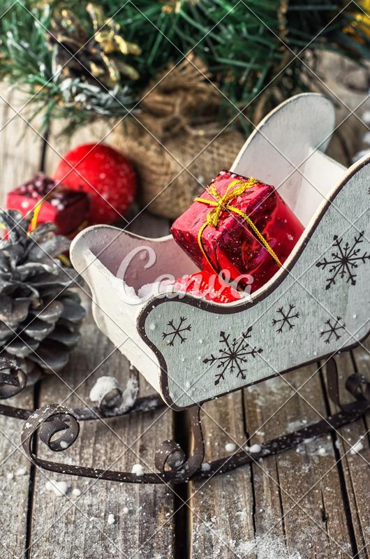 Christmas Card Layout - Photos by Canva