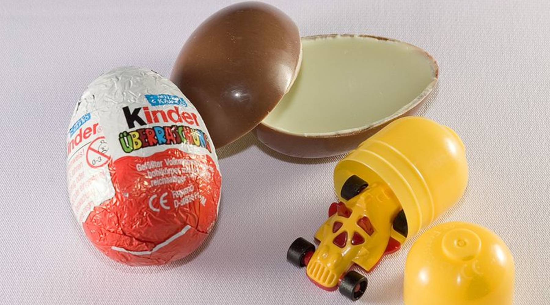 Kinder Egg Illegal Why The Fda Doesn T Like Chocolate Eggs With Toys Inside