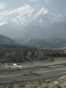 Twin-Otter Landing in Jomsom