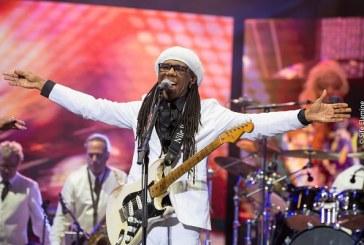 Le guitariste disco-funk Nile Rodgers fait son show